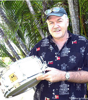 DICK CULLY HOLDING DRUM